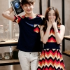 เสื้อผ้าแฟชั่นเกาหลีชุดคู่ ชายเสื้อยืดแขนสั้น + หญิงเดรสสั้น แขนกุด ลายซิกแซก